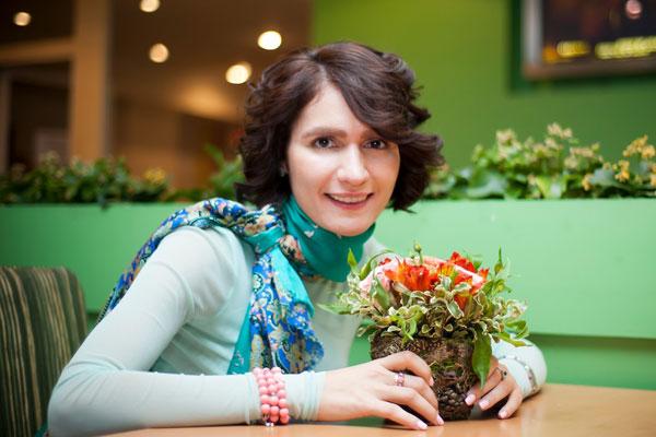 Певица Женя Тополь