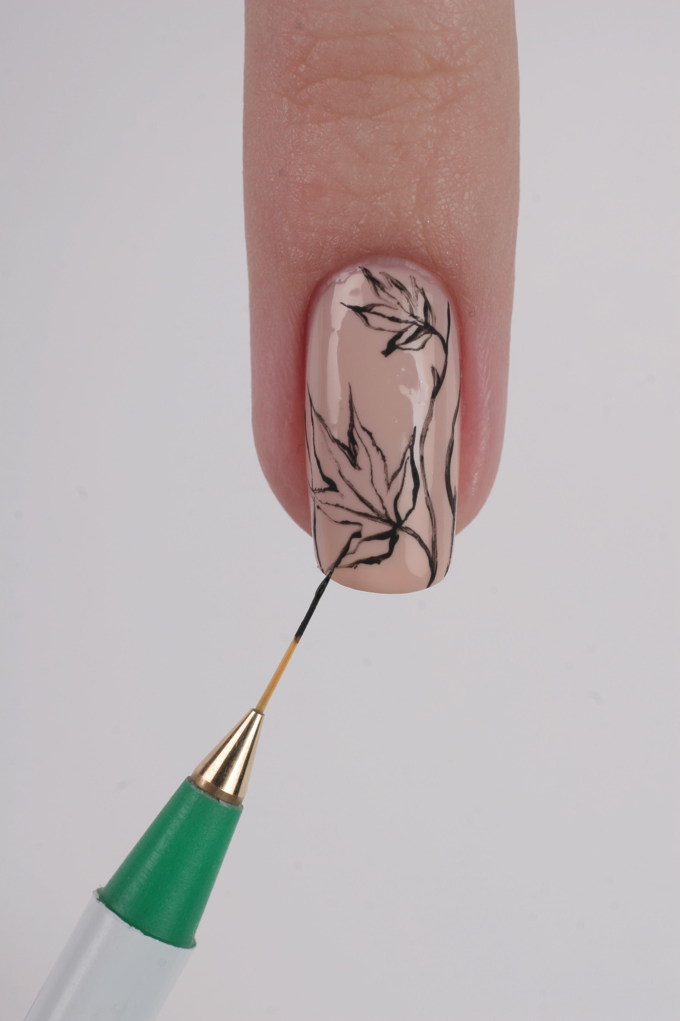 Как рисовать лист на ногтях