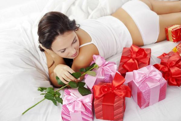 подарки для женщин на 8 марта