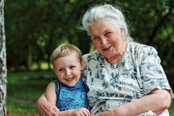 Забота бабушек