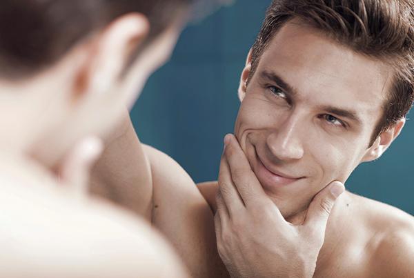 Мужчины стали больше любоваться собой