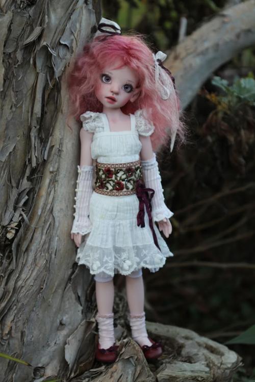 Izzy elf в белом цвете