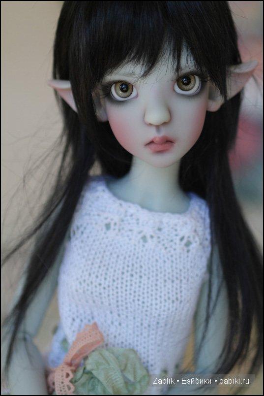 Thistle Elf in Grey skin tone