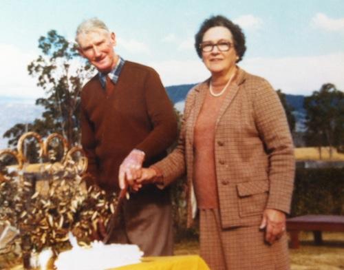 Бабушка Kaye Wiggs