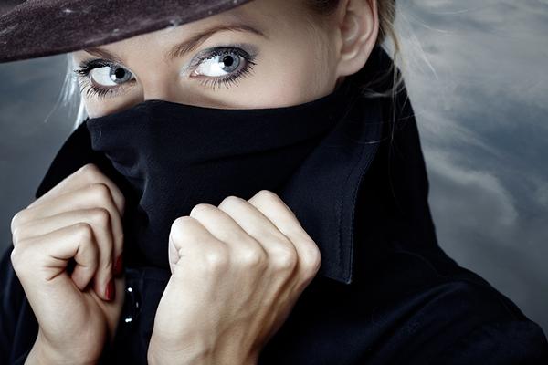 женщина шпион