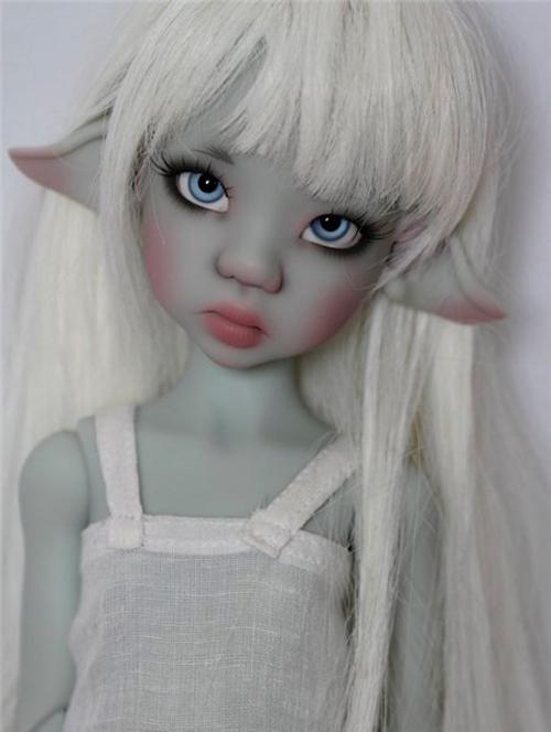 Grey Laryssa (серая Ларисса) Kaye Wiggs