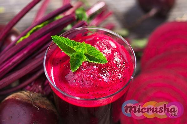 Детокс-напиток из свеклы, яблока и сельдерея