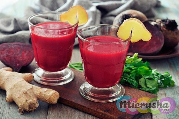 Детокс-напиток из вареной свеклы, яблока, имбиря и мяты