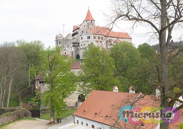 мраморный замор Пернштейн в Чехии