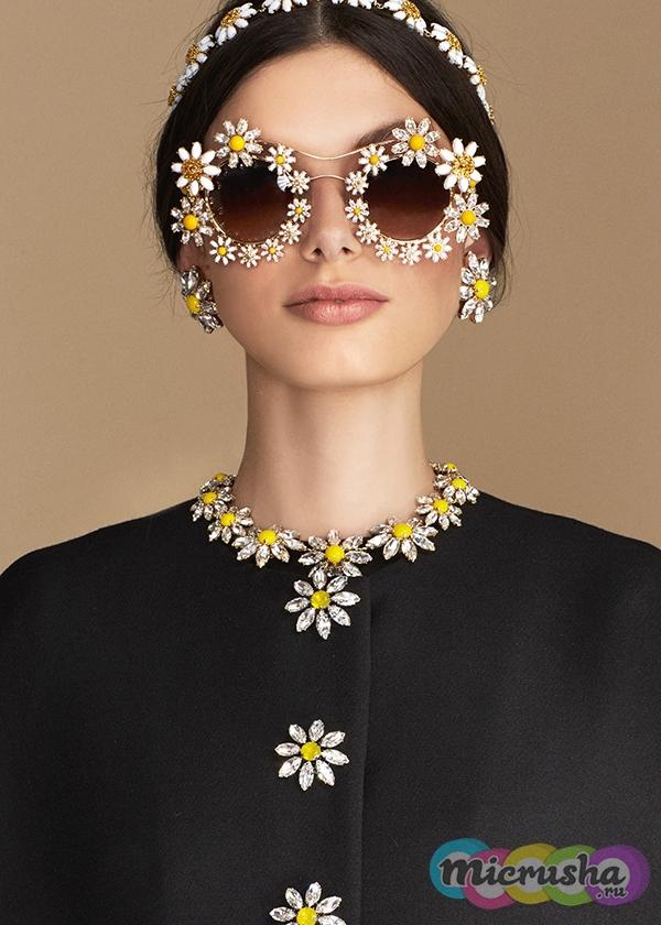 очки Daisy от Dolce&Gabbana