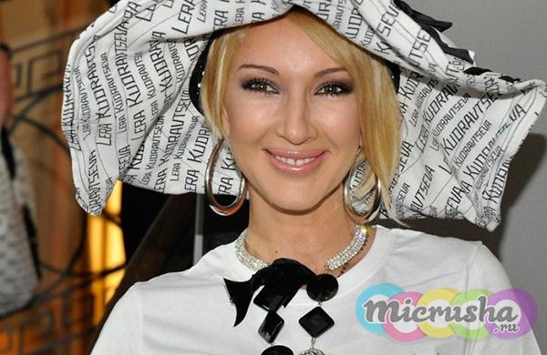 Лера Кудрявцева в именной шляпе