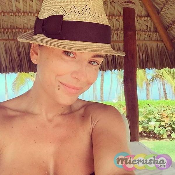 Ани Лорак без макияжа в отпуске