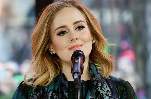 Певица Адель