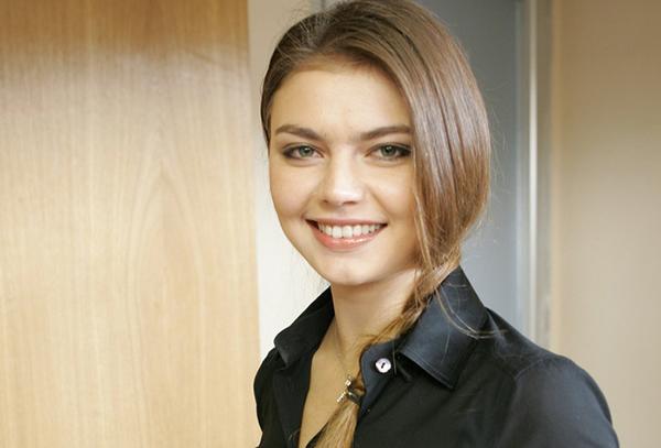 Алина Кабаева без макияжа и фотошопа