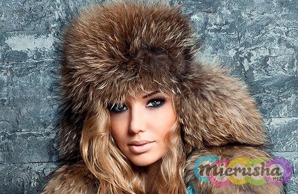 модная шапка из меха