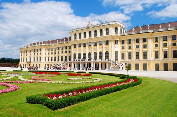 дворец Шенбрунн в Вене