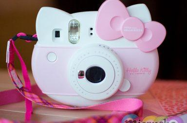 Instax Mini Hello Kitt от Fujifilm