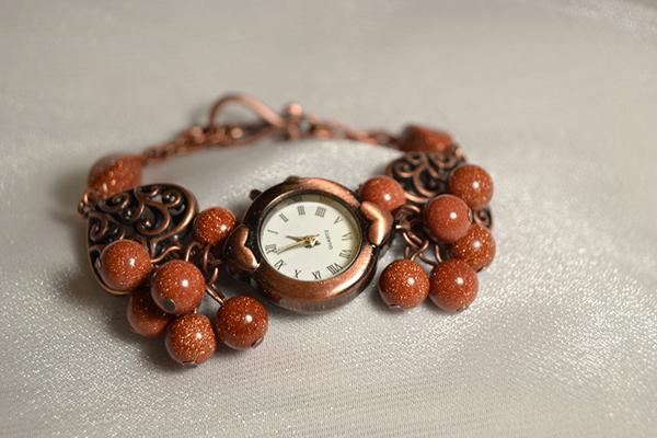 часы с авантюрином