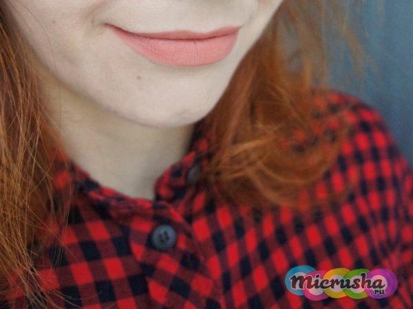 Eveline Velvet matt lip cream soft beige 417