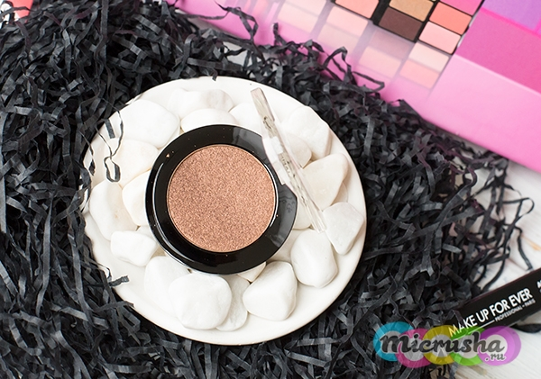 Компактные тени Artist Shadow Make Up Forever