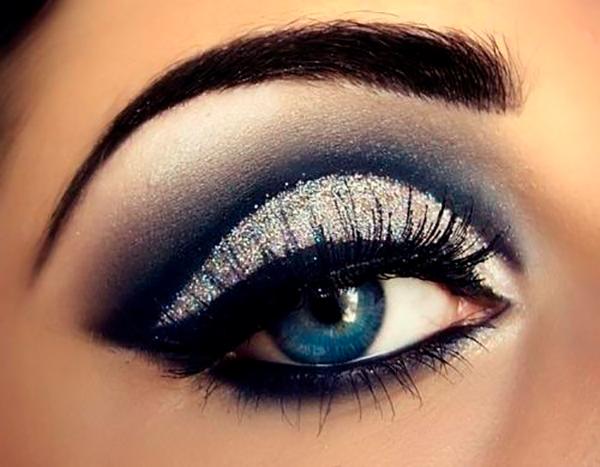 Новогодний макияж для синих глаз