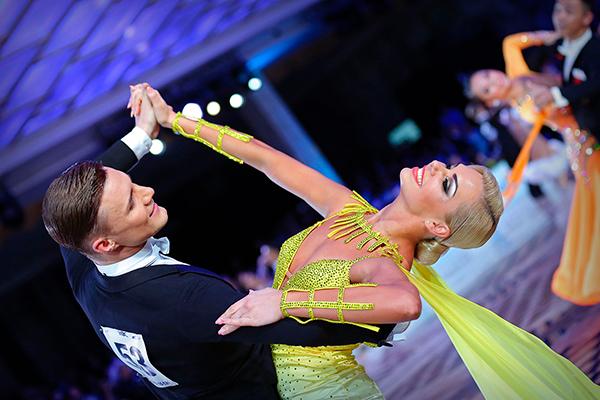 Александр Жиратков и Ирина Новожилова
