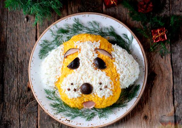 «Собака» с копченой курицей и грибами