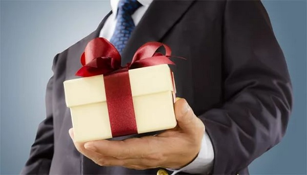 Упаковка подарков тц рио ленинский