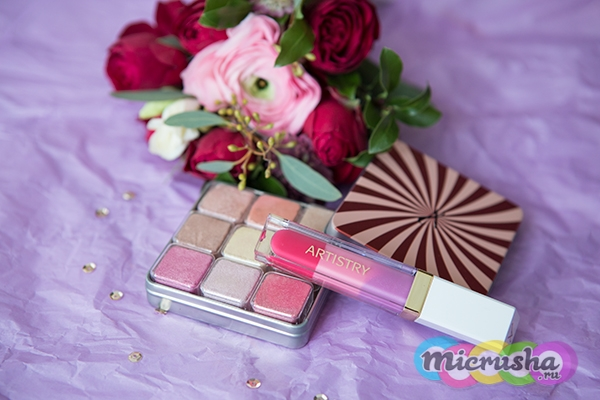 ARTISTRY SIGNATURE COLOR™ Палетка мерцающих румян