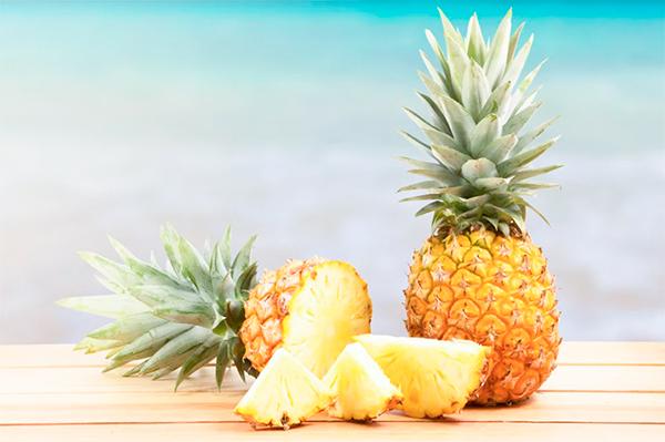 5 продуктов для молодости ананас