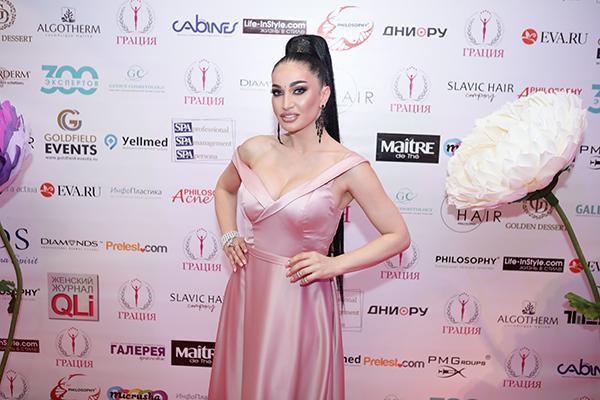 АЛИНА ЯН - телеведущая TV-Host MusicBox, модель