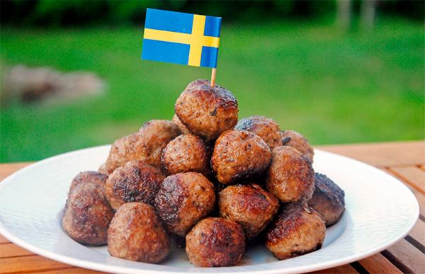 Что попробовать в Швеции мясные фрикадельки köttbullar