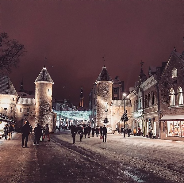 Ворота Виру, Таллин