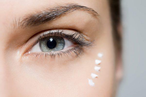 Ошибки в уходе за кожей вокруг глаз