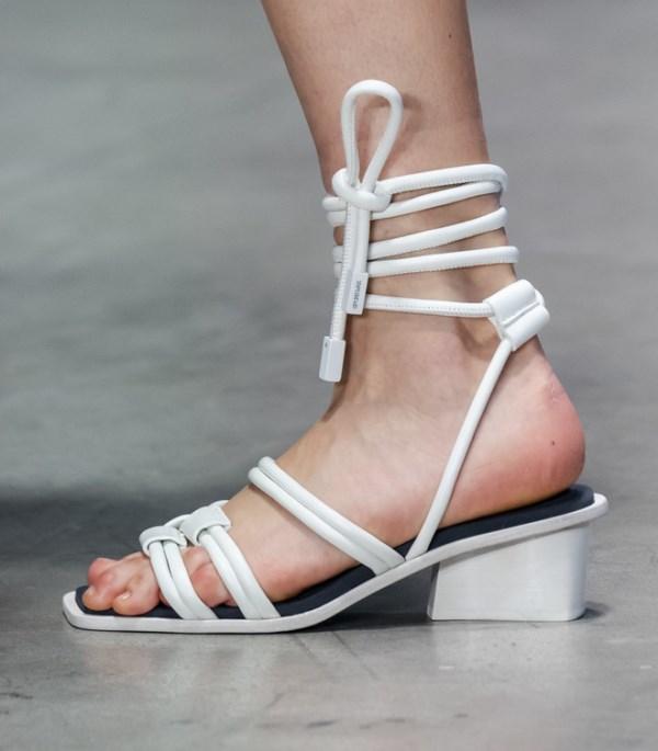 летняя обувь с завязками