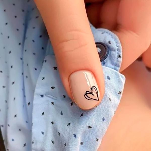 минималистический дизайн ногтей