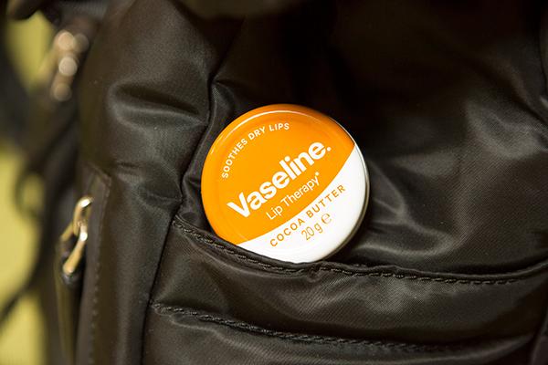бальзам для губ с маслом какао от Vaseline